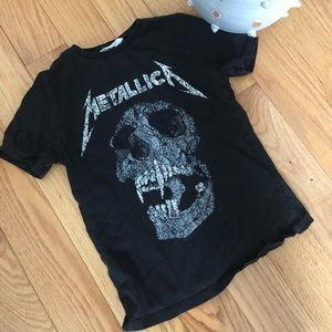 Boys Metallica t-shirt approx size medium,